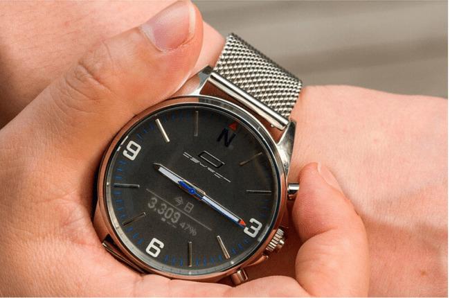 ビジネスマン向けのアナログ時計型スマートウォッチ「OSKRON」、先行予約販売スタート 2番目の画像
