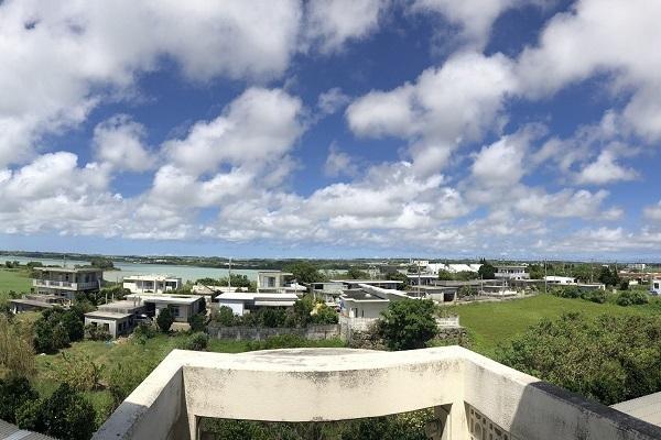 議場の雰囲気が残る「宮古島のコワーキング施設」が話題、市の担当者に経緯を聞いた 6番目の画像
