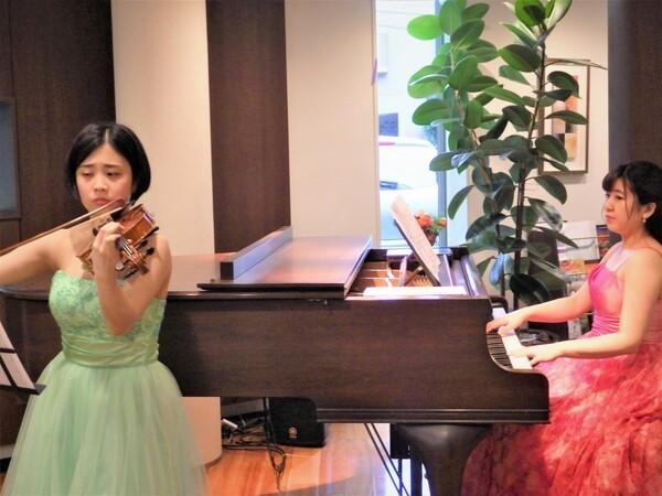 いつもと違う懇親会を♪生演奏の出張サービス「Musicalu」が登場【忘年会・新年会・歓迎会・送別会】 3番目の画像
