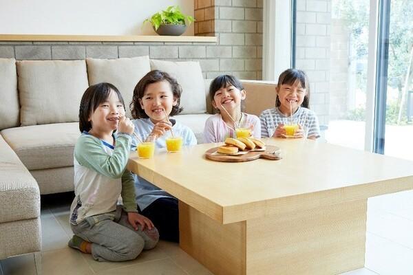 横浜産「カンナ削りの木のストロー」が市内ホテルで提供開始。環境問題や地産地消推進に貢献 3番目の画像