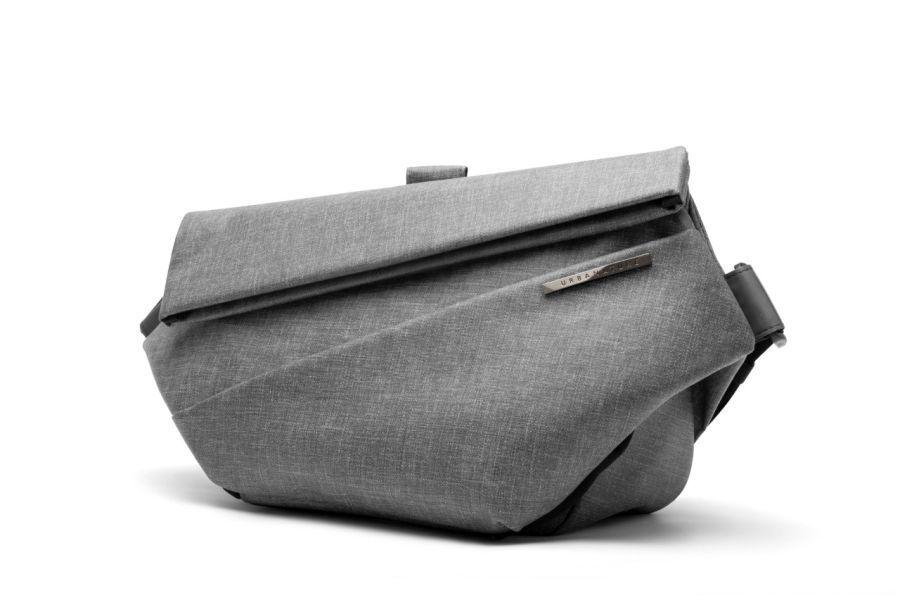 オン/オフ両方使える!コンパクトなのに12インチタブレットも入る収納力抜群のスリングバッグが登場 5番目の画像
