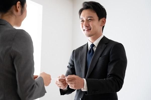 話を聞きたいと思える営業マンは「人柄がいい人」、全国2500人超への調査で判明|オンリーストーリー調べ 1番目の画像