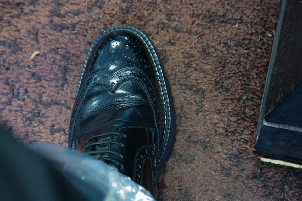 えっ…これがダメなの!?実はやってはいけない雨の日の靴の手入れ4選 1番目の画像