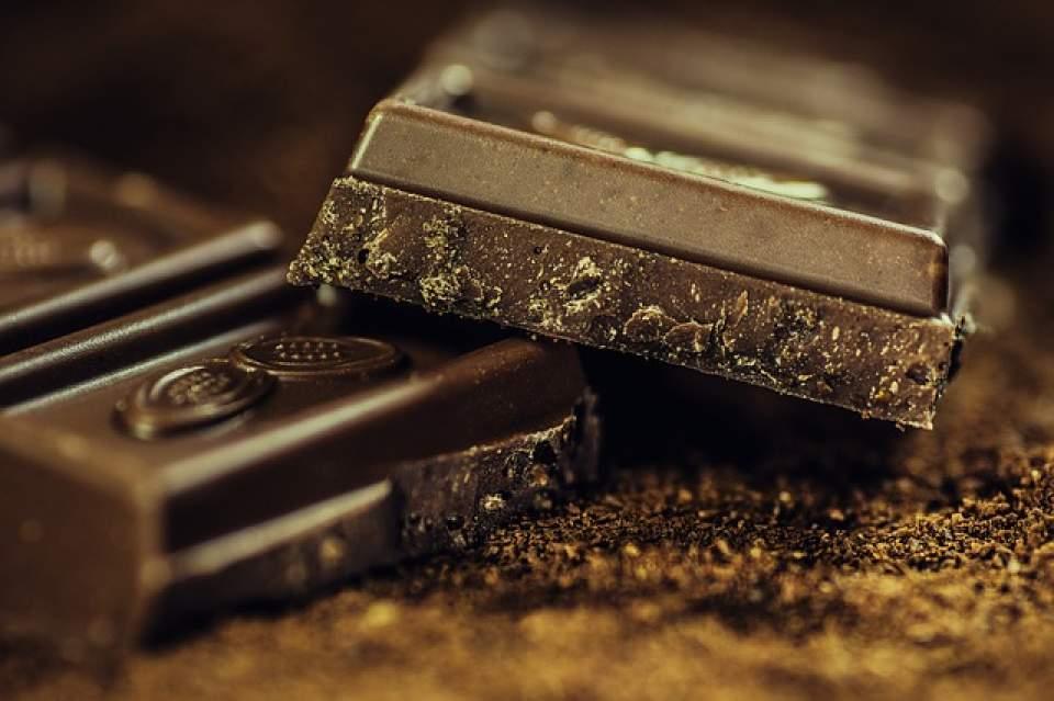 脳の疲労が回復するだけでなく実はモテる…?オフィス必需品の食べ物、チョコレートの秘密 1番目の画像