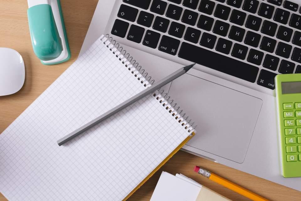 【デスクトップに貼るだけ】時間のムダを省く「付箋」ビジネス活用術 1番目の画像