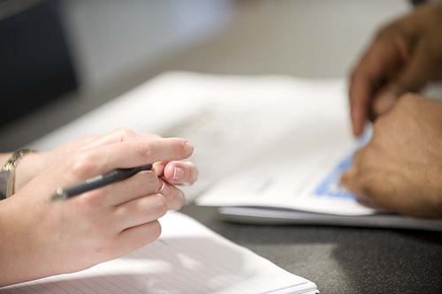 会議の内容を記録するために作成する「議事録」の果たす役割 1番目の画像
