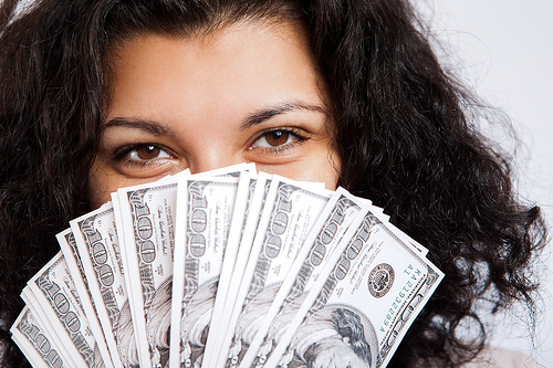 『「幸せをお金で買う」5つの授業 ―HAPPY MONEY』お金を幸福に変える、使い方とは? 1番目の画像