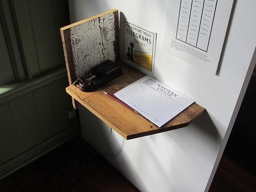 【ビジネスマナーの基本!】送付状に書く宛名と役職の書き方で気をつけたいこと 1番目の画像