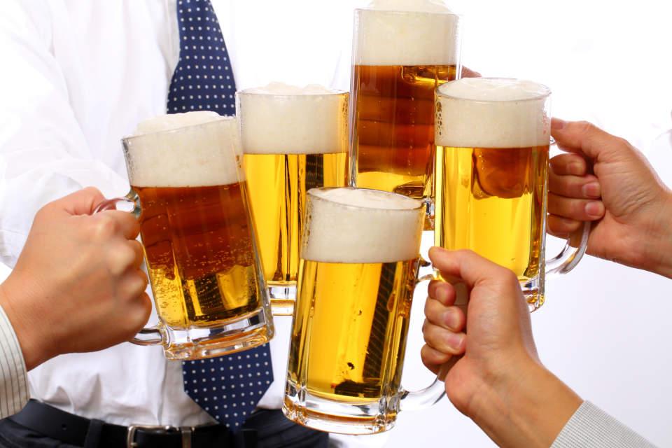 飲み会を制する者は仕事を制する?知っておくべき上司との飲み会の7つのマナー&仲を深めるトーク術