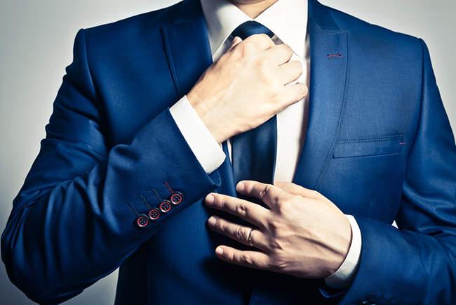 ビジネスでスーツを着る際のハンカチのマナー 3番目の画像