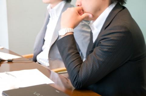 【新卒必見】ビジネスシーンでのワイシャツ・ジャケット・ベルトの着方の基本マナー