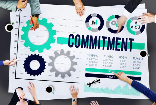 「コミットメント」「コミット」の意味とは? 意外と知らない正しい使い方・例文