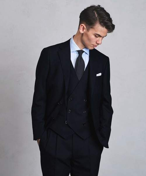 お洒落にスーツ×ベストを着こなすコツ。スーツ×ベストのおすすめコーデ集