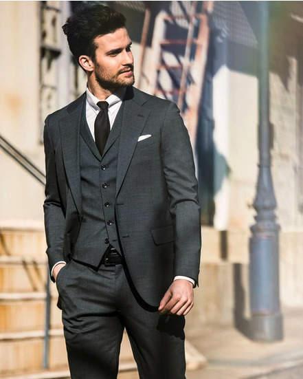 結婚式にngなスーツって 男性ゲストの結婚式服装マナー 王道スーツ