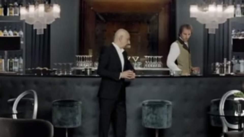 【CM動画】誰もが思わず二度見する。スキンヘッドのおじさんが教える「仕事で一番大切なこと」 2番目の画像