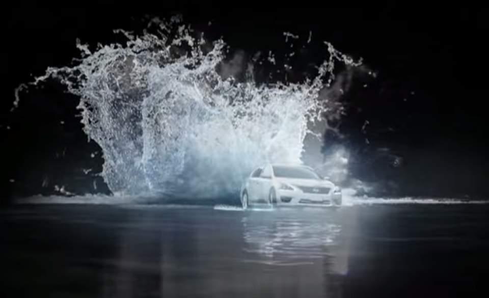 車が水の上を駆け抜ける!日産が作った「水上プロジェクションマッピング」が海外で話題に 3番目の画像