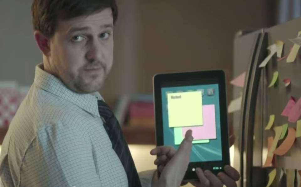 ドヤ顔で「紙は不要、タブレットで十分」という方へ!ペーパーレス信仰をうまく皮肉ったCM動画 2番目の画像