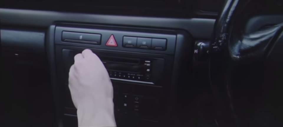 【動画】「絶対に目を離してはいけない…」わき見運転の恐怖を体験させる「フォルクスワーゲン」の実験 4番目の画像