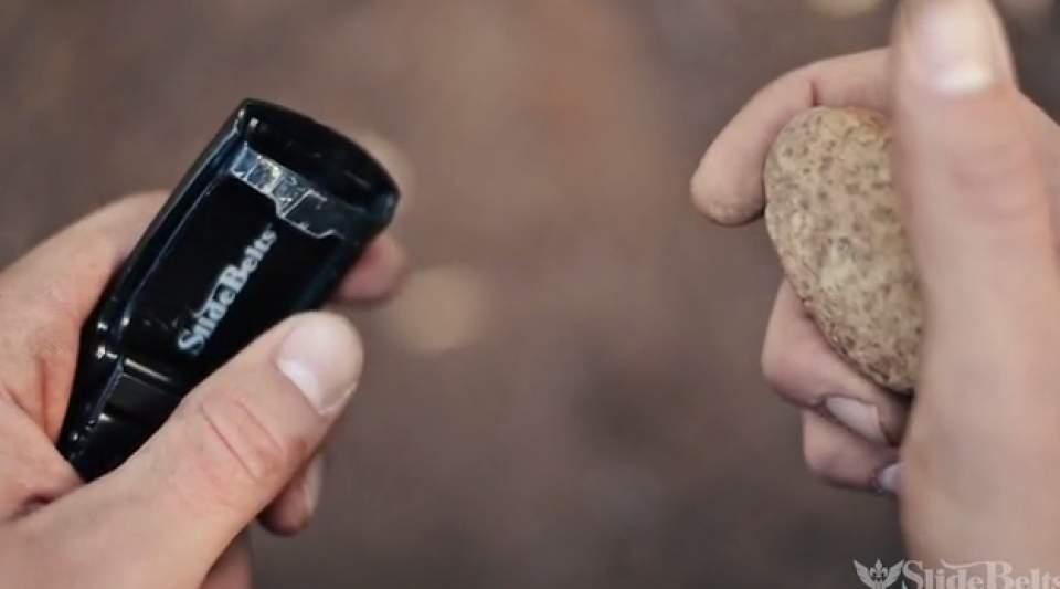 GPS搭載、火起こしやナイフもついてるクールなサバイバル用ベルト「Survival Belt」 11番目の画像
