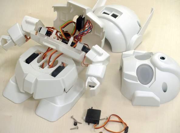 ちっちゃいガンダムみたいで可愛い!世界中で話題沸騰の組み立て式ロボット「RAPIRO(ラピロ)」 4番目の画像