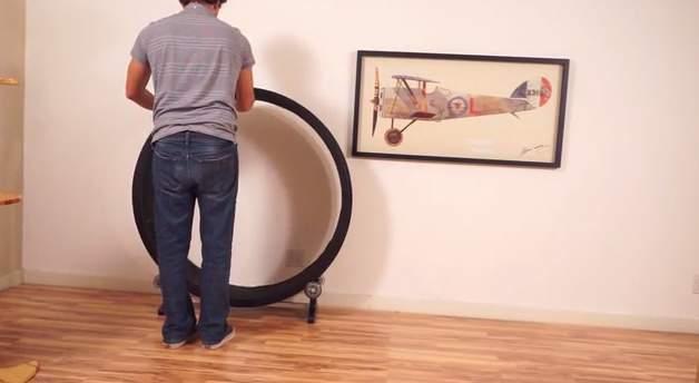 飼い猫をとっとこ走らせるホイール型のランニングマシン「OneFastCat」 8番目の画像