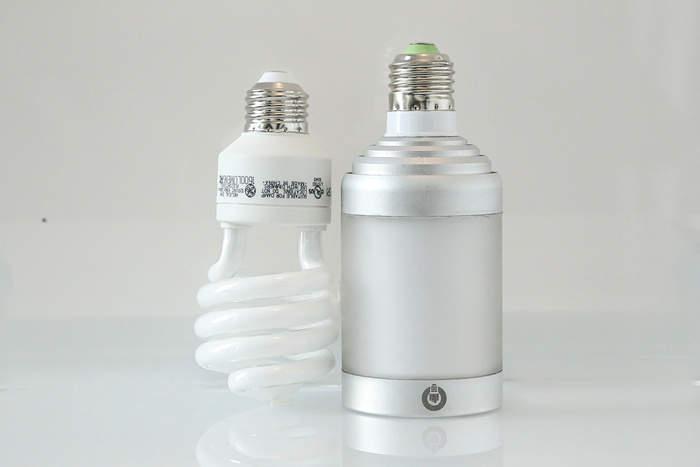 スマホでコントロールできるスピーカー内蔵フルカラーLED照明「LIGHTFREQ」 5番目の画像