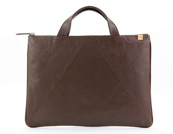 大容量なのにこんなに軽い!おしゃれと軽量を兼ね備えたビジネスバッグまとめ 6番目の画像