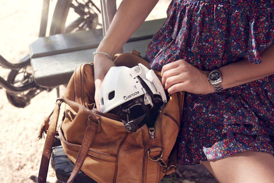 自転車乗りの皆さん!折りたためてカバンにしまえるヘルメット「Plixi」が便利です 4番目の画像