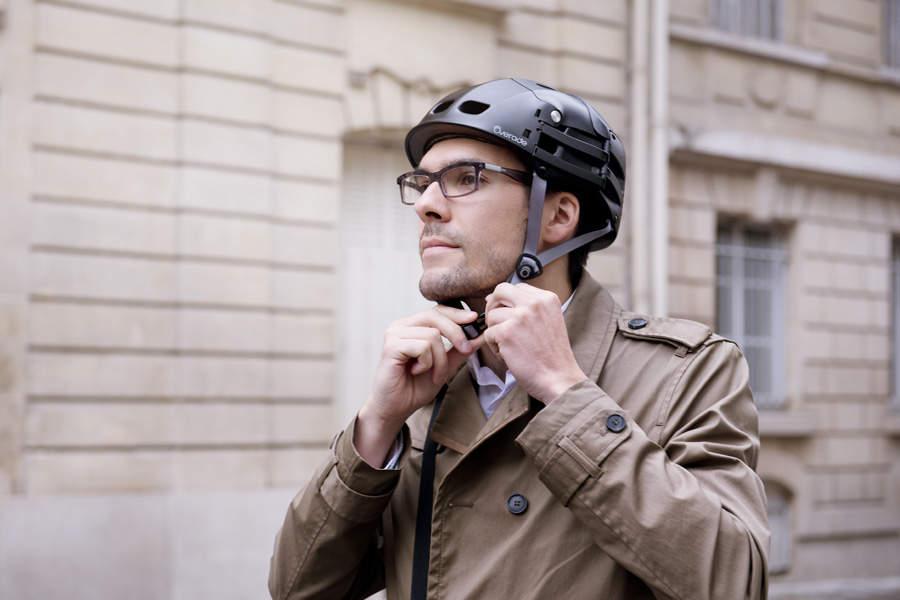 自転車乗りの皆さん!折りたためてカバンにしまえるヘルメット「Plixi」が便利です 5番目の画像
