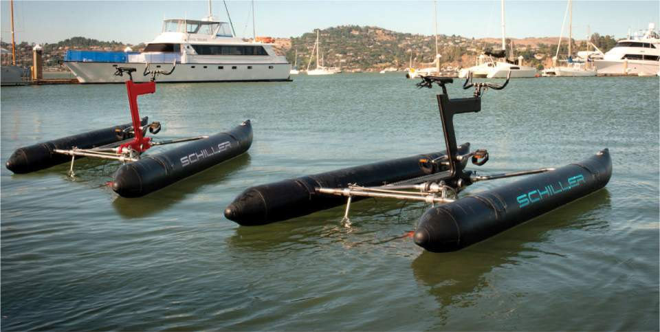 自転車が水上を走ってる!?まるで自転車を漕ぐように水上を移動出来るボート型自転車「the X1」 3番目の画像