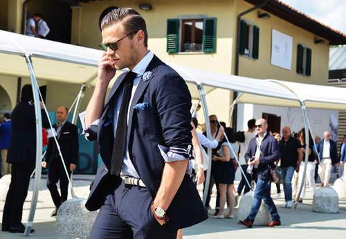 おしゃれは細部に光る!スーツスタイルの印象をガラッと変えるベルトの選び方4つ 1番目の画像