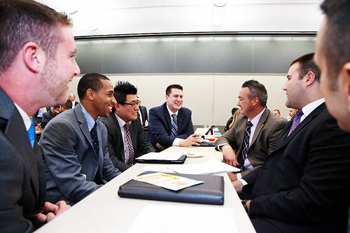 チームで仕事をするときには絶対不可欠!仕事で決定事項や仕事内容の連絡をする重要性 1番目の画像