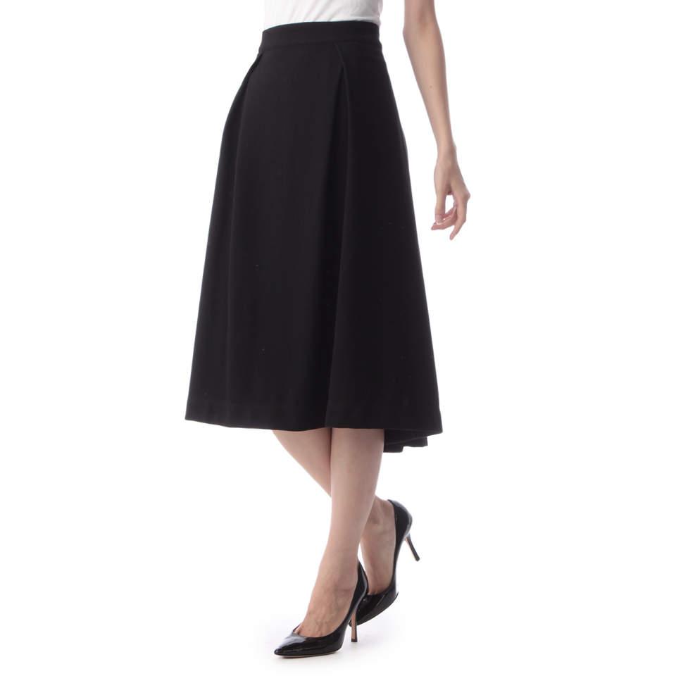 失敗したくないスカートの丈選び。今期おすすめはオフィスでも使えるミモレ丈 4番目の画像
