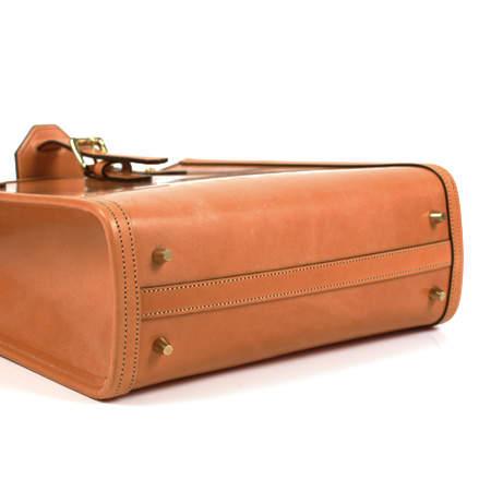 バッグを変えれば仕事もしやすく。働く女性を機能性でお助けする通勤バッグの選び方4つ 4番目の画像