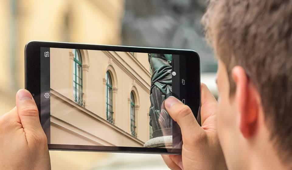 Apple、Googleだけじゃない! ボーダフォンの新型タブレットが8インチの大型でイイ感じ 2番目の画像