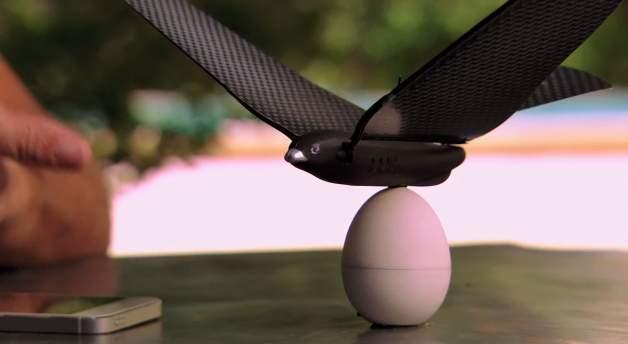 iPhoneで簡単操縦! 鳥型ドローン「Bionic Bird」で空を縦横無尽に飛び回れ 1番目の画像