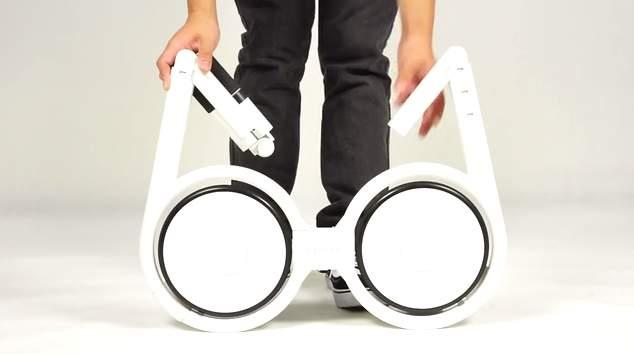いつでも自転車を持ち歩こう。リュックに入る超軽量折りたたみ自転車「Impossible」 4番目の画像