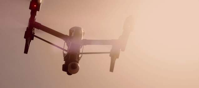 1km以上の飛行、高性能なカメラ、そして変形…かっこ良すぎる空撮ドローン「Inspire 1」 1番目の画像