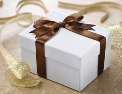 クリスマス前に要チェック! 20代〜30代女性に人気の財布ブランド3選 1番目の画像