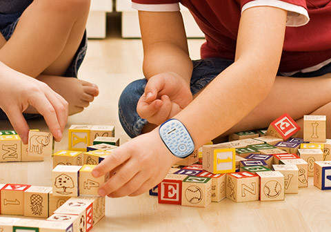 子供にスマホはちょっと……。という人のための子供用ウェアラブルデバイス「GizmoPal」 1番目の画像