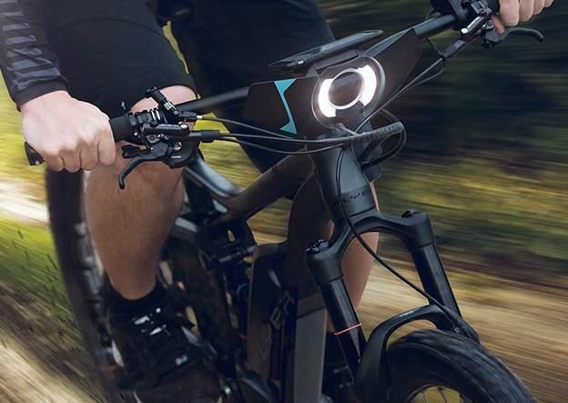 自転車をちょっと賢くする。取り付けるだけでスマート自転車を実現するガジェット「COBI」 1番目の画像