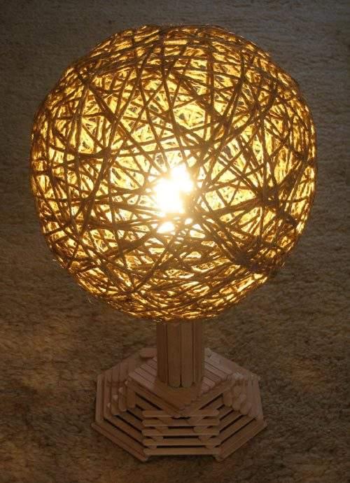ランプの影を上手く使って落ち着く空間をつくろう。DIYで作るぬくもりランプシェード 4番目の画像