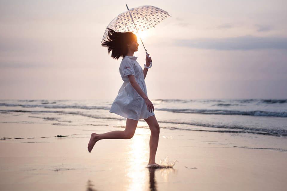 皆の悩みのタネ「雨の日ファッション」。賢くオシャレなコーディネートで寒さも汚れも気にならない! 1番目の画像