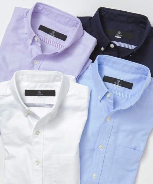 冬定番のクルーネックニット。ボタンダウンシャツと合わせて重ね着してもすっきりスマートに 3番目の画像