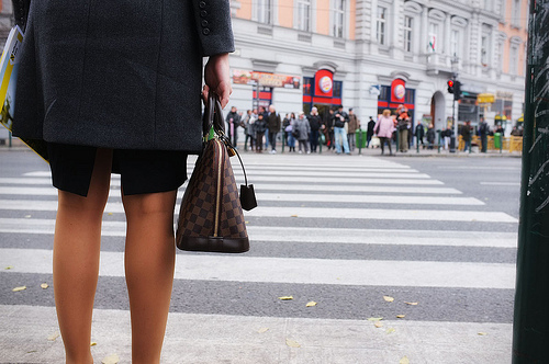 リクルートスーツだけで大丈夫? 女性の新入社員が選ぶべきスーツとは 1番目の画像