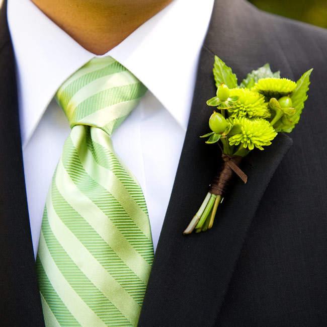 春の流行色を取り入れたストライプ柄のネクタイに挑戦。今っぽさを意識したVゾーンで周りに差をつける 2番目の画像
