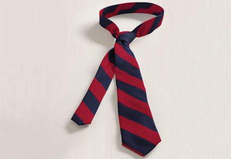 春の流行色を取り入れたストライプ柄のネクタイに挑戦。今っぽさを意識したVゾーンで周りに差をつける 4番目の画像