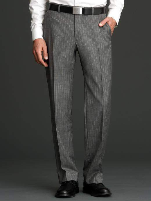 スーツスタイルのシルエットを美しく。サイズ感の合った「パンツ」選びには3つのルールが欠かせない 2番目の画像