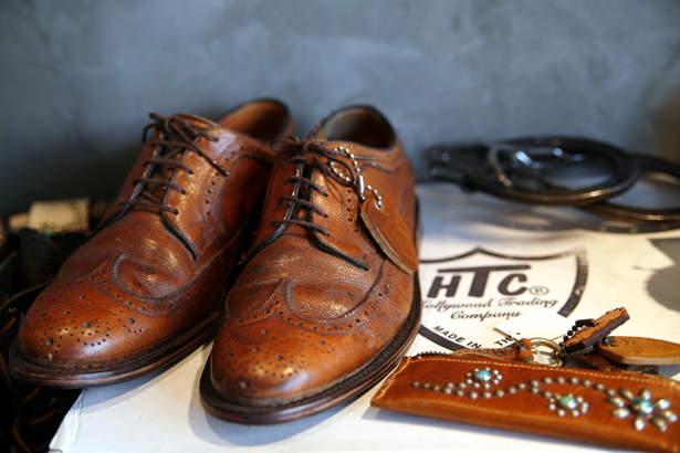 適当に靴を合わせてはダサい印象に。グレースーツをお洒落に着こなしたいなら、似合う靴を知っておく! 2番目の画像