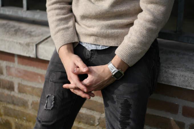 スーツにデジタル腕時計を着用するのはアリ? 評価の高いビジネスマンになるための基本マナー 3番目の画像